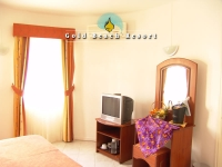 3_star_hotel_gold_beach_hotel_room.jpg