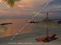 le_recif_hotel_mauritius_beach_and_sea_view_at_night.jpg