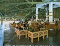 4_star_la_plantation_resort_cylo_bar.jpg